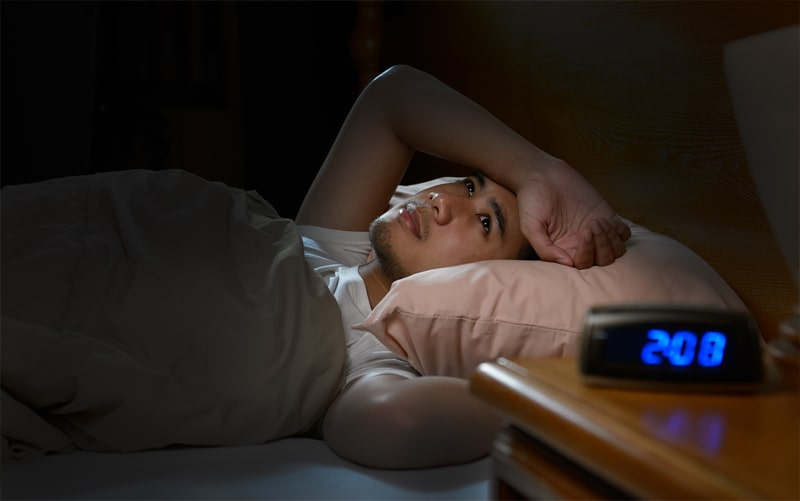 השעה כבר 2 בלילה ולא מצליח להירדם. סובל מאינסומניה (נדודי שינה)